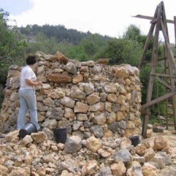 השומרה – בניה יבשה באבן